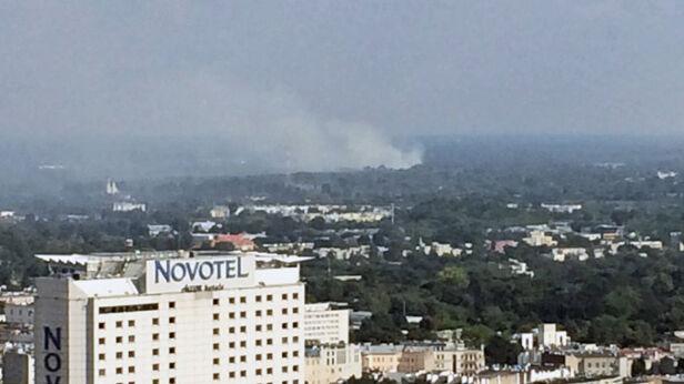 Słup dymu był widoczny z centrum Strażak_z_Tarczyna/ Kontakt24