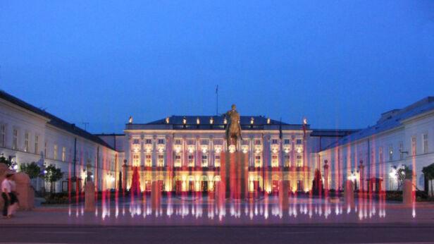 Projekt pomnika światła przed Pałacem Prezydenckim materiały projektanta