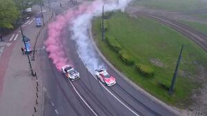 Biało-czerwony drift na rondzie Radosława