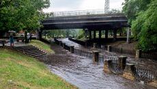 Gwałtowna burza przeszła nad Katowicami (PAP/Andrzej Grygiel)