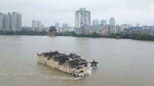 Ta 700-letnia świątynia przetrwała niejedną powódź. Kolejna właśnie trwa