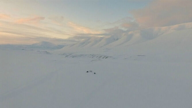 """Norwegię można """"zwiedzać"""" za pomocą drona. """"Bezmiar bieli i dzikości jest niesamowity"""""""