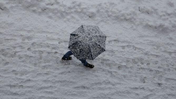 """Możliwe burze śnieżne. Zjawisko """"spektakularne, groźne i niezwykle rzadkie"""""""