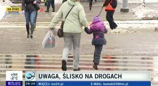W Szczecinie na ulicach zalega błoto pośniegowe (TVN24)